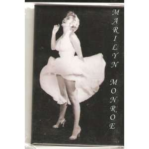 Marilyn Monroe Dress Flies Magnet