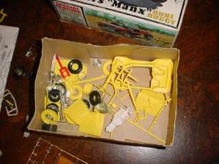 1960s AMT 1/24 MEYERS MANX DUNE BUGGY MODEL KIT IN BOX W/ EXTRA PARTS