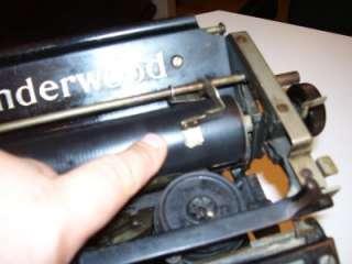 1913 No. 4 UNDERWOOD Standard TYPEWRITER Glass Top Keys