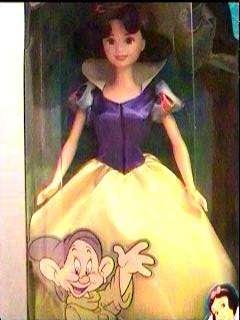 Disney Princess SNOW WHITE Classic Barbie Doll FairyTale collection