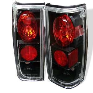 Spyder Chevy S 10 82 93 Altezza Tail Lights   Black
