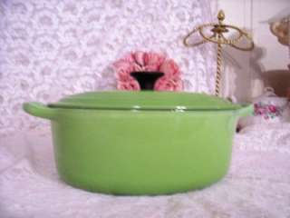 VINTAGE LE CREUSET KIWI GREEN COVERED CASSEROLE CAST IRON POT 2.75 QT