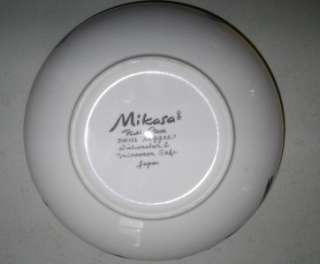 MIKASA Fashion Plate Soup, Cereal Bowl ~ DW102 Reggae, White & Black