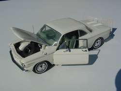 FRANKLIN MINT 1960 CHEVROLET CORVAIR MONZA 2 DOOR CLUB COUPE   WHITE