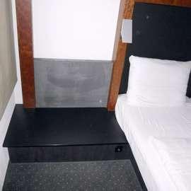 MO11 Hotelzimmereinrichtung Hotelbett kein Boxspringbett