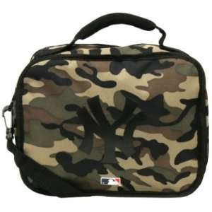 New York Yankees   Logo Camo Soft Lunch Box: Sports
