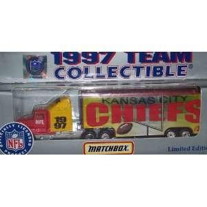 Kansas City Chiefs NFL Diecast 1997 Matchbox Tractor