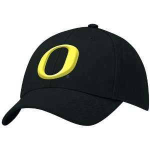 Nike Oregon Ducks Black Swoosh II Flex Fit Hat: Sports