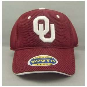 OKLAHOMA SOONERS OFFICIAL NCAA LOGO ONE FIT YOUTH PERFORMANCE HAT CAP