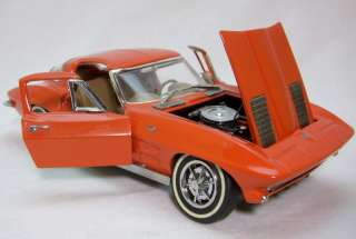 Corvette Sting Ray Franklin Mint 124 Scale Diecast Model Car